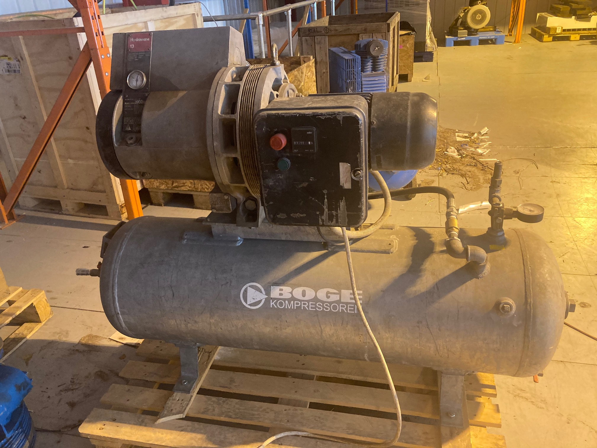 Hydrovane 13 240 volt 12cfm hire compressor