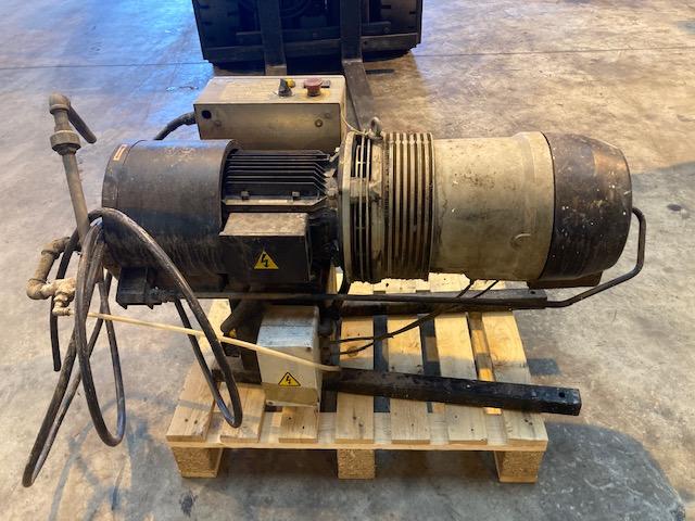 Hydrovane 25 hire compressor