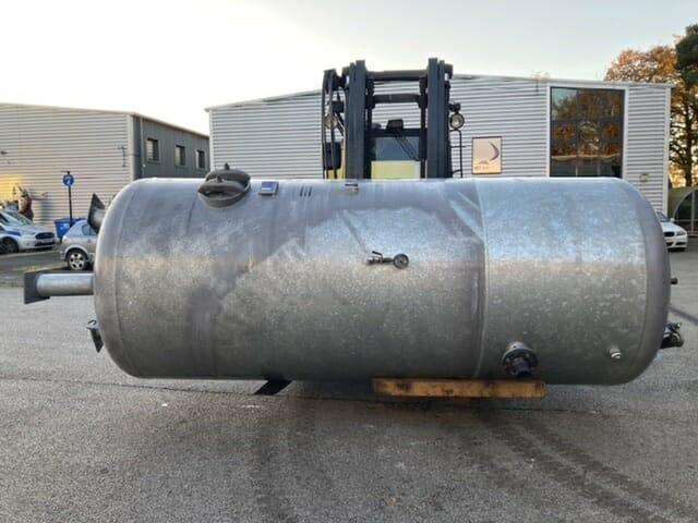 Vertical Air Receiver 8000 litre Galvanised 11bar