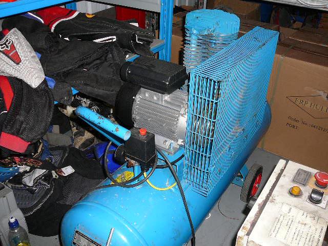 16cfm 220 volt portable hire compressor