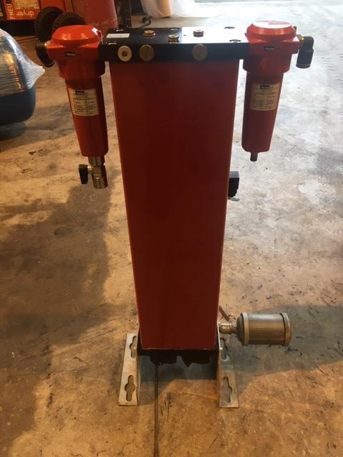 Zander Parker KMT-3 2013 14.7 CFM 16 BAR Desiccant Air Dryer