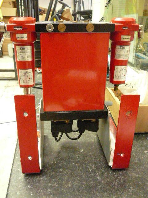 Zander Parker KMT-1 2014 5 CFM Desiccant Air Dryer
