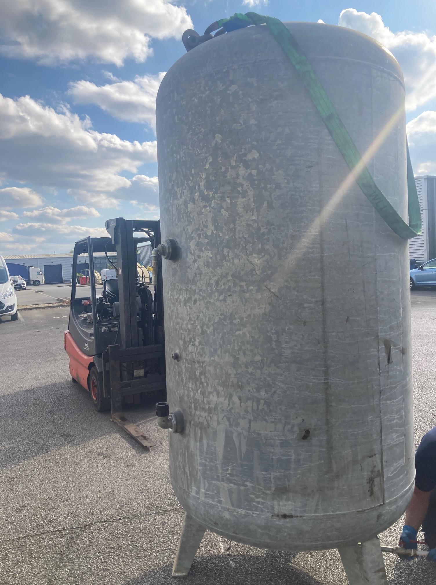 Vertical Air Receiver 3000 litre 11bar fully galvanized 2018