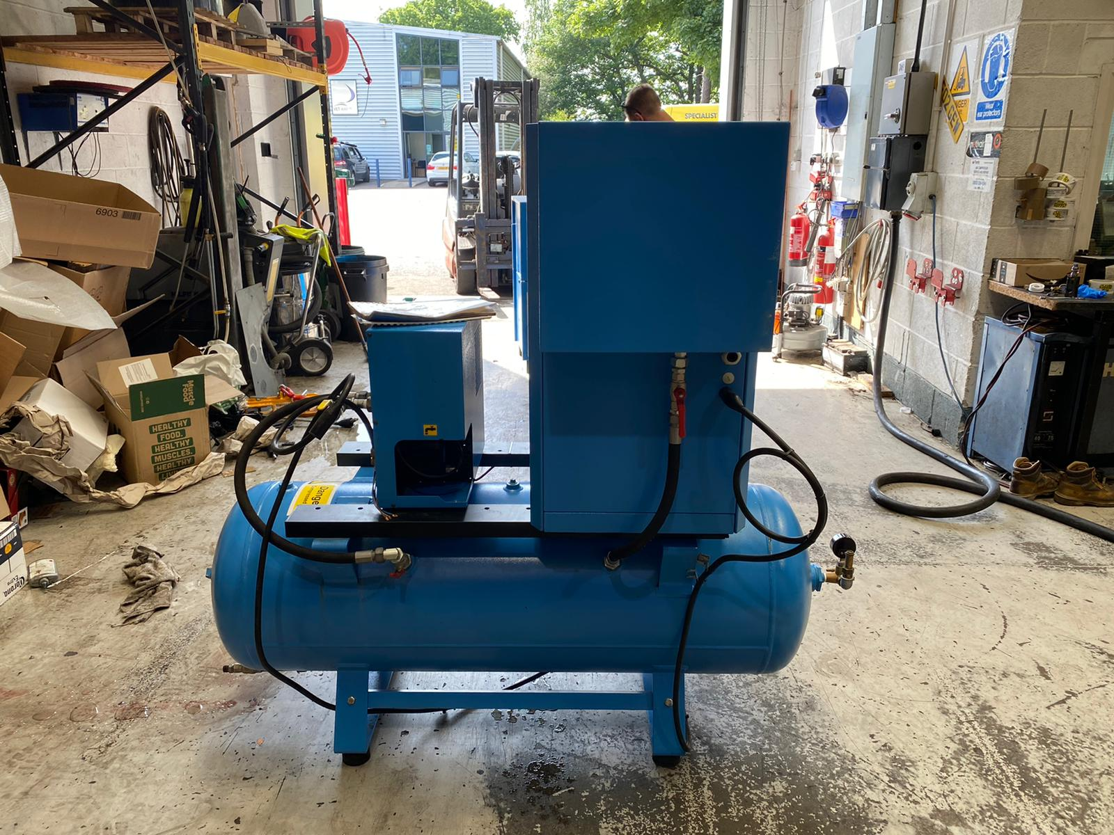 BOGE C5 DR 2016 4Kw Air Screw Compressor with Tank and Dryer LOW HOURS