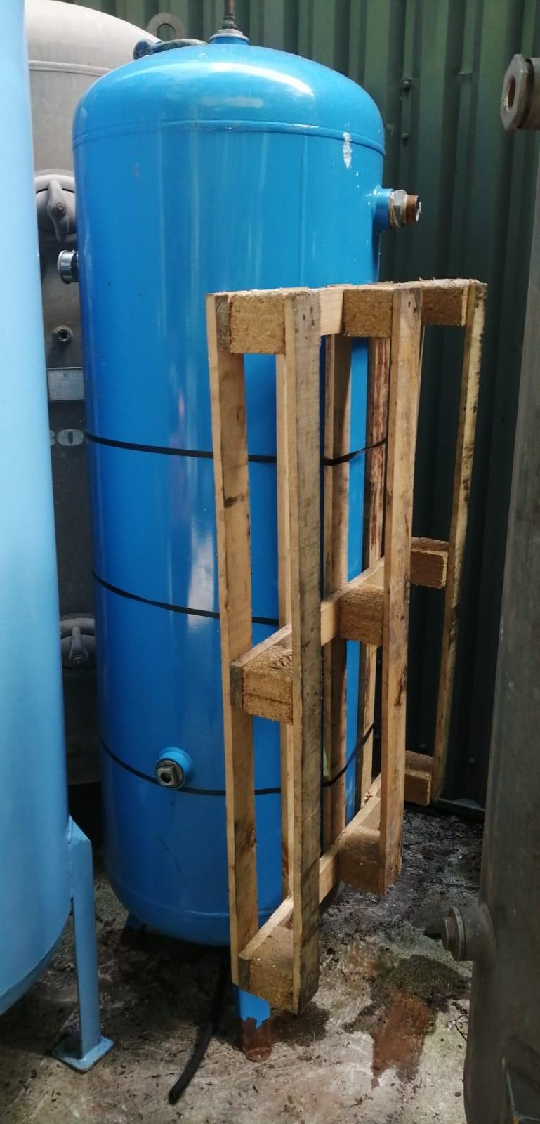 500 Litre Vertical Air Receiver 11 Bar