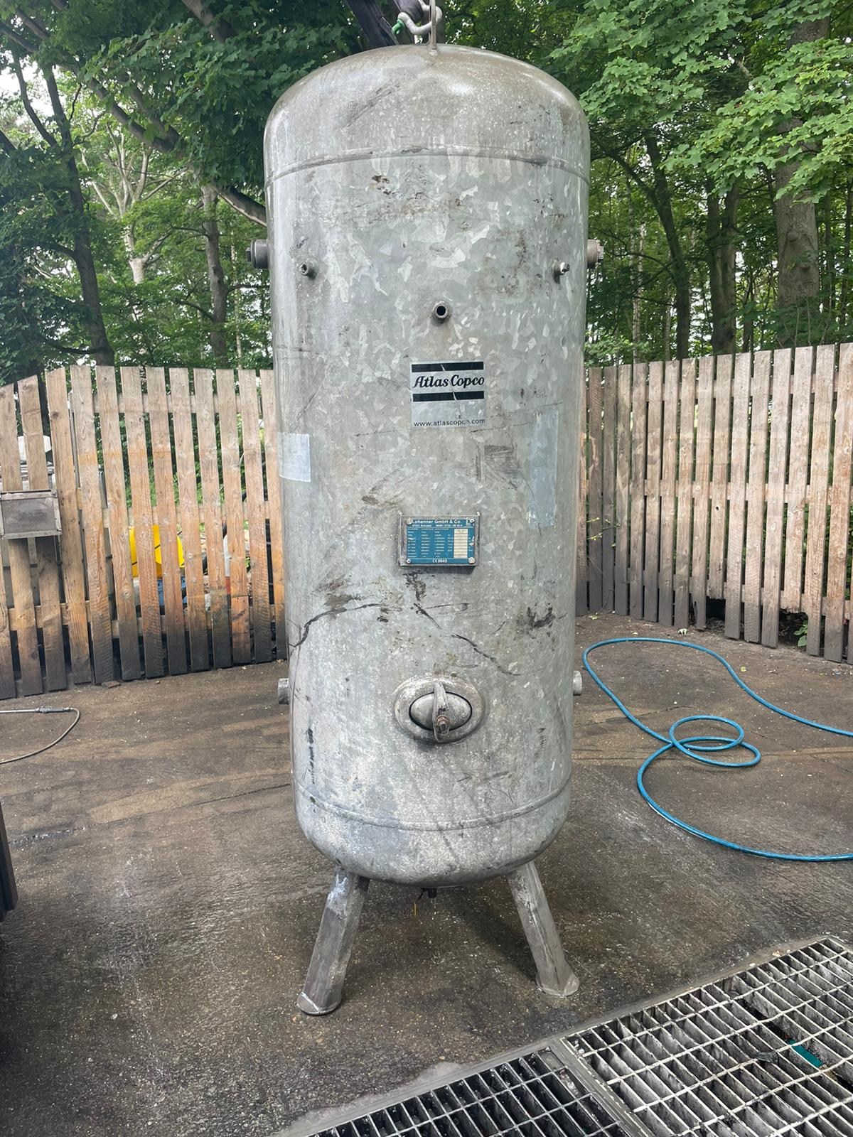 1000 Litre vertical air receiver galvanised CHEAP DENTED