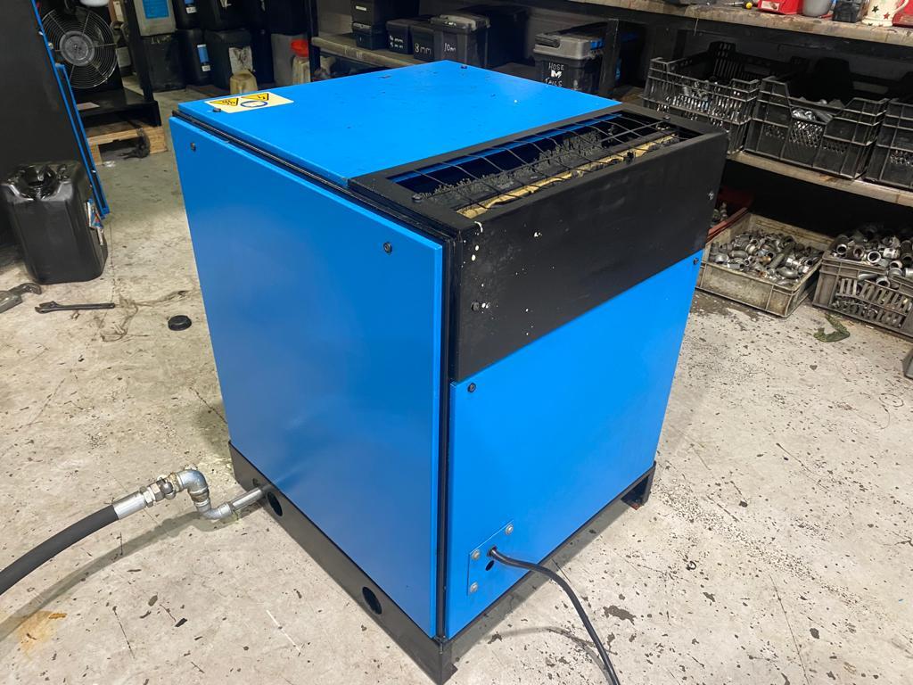 Compair Cyclone 105 28cfm screw compressor