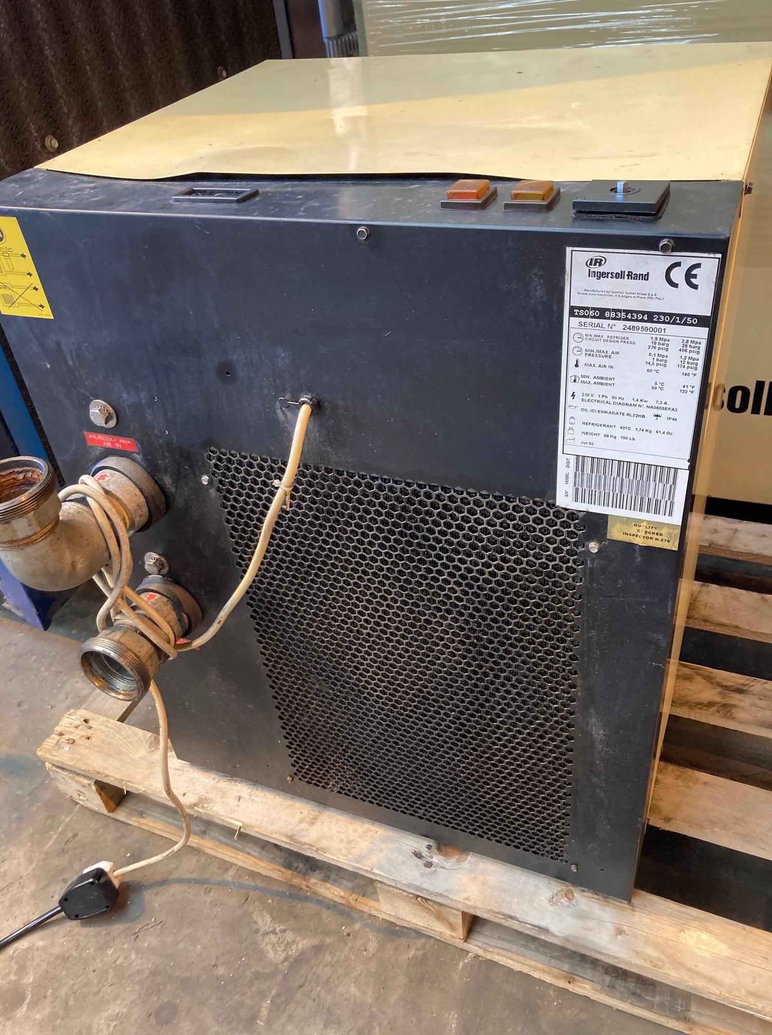 Ingersoll Rand TS060  212cfm single phase air dryer