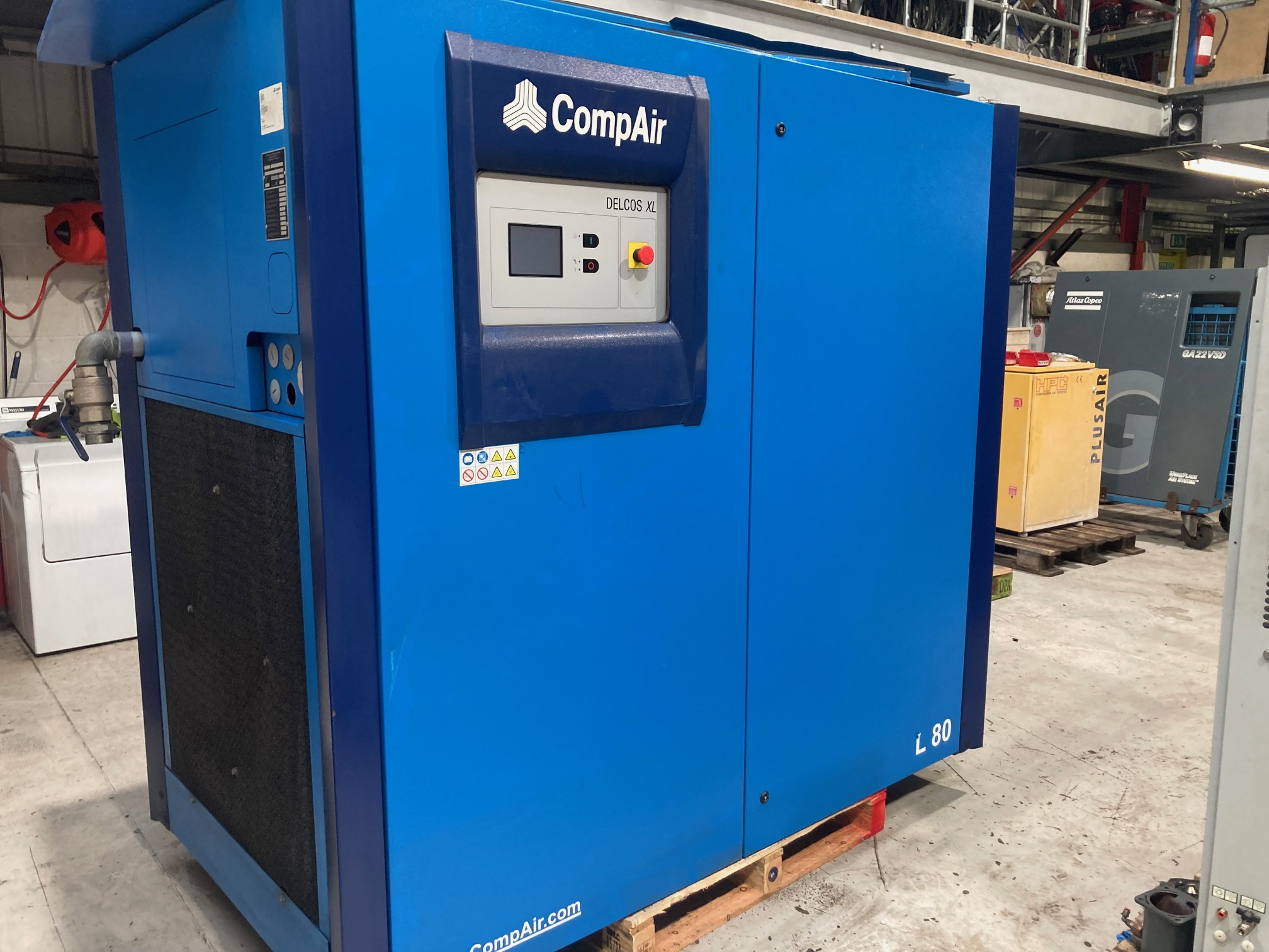 Compair L80 75kW compressor 90kW air end and only 2712 hours run from new