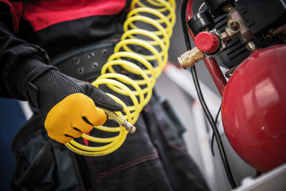 Air compressor buyer's guide: Oil vs oil free air compressors